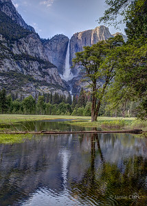 Yosemite Falls. Yosemite National Park