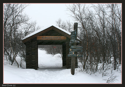 Heavy snow at the entrance to the King's Trail