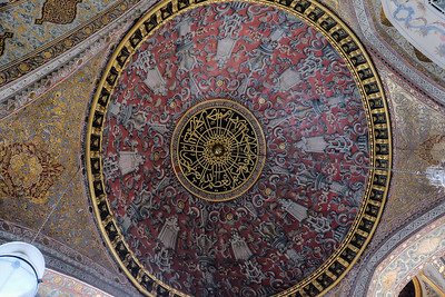 Ornate dome in the Throne Room.