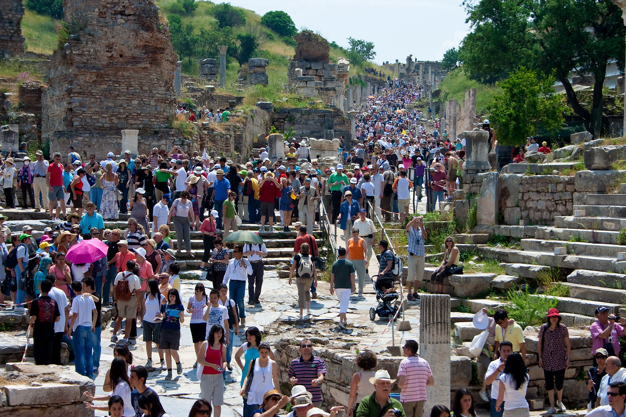 A bad day at Ephesus. Two cruise ships dumping 7k tourists on the site in less than a day.