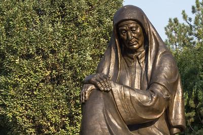Crying mother monument Tashkent