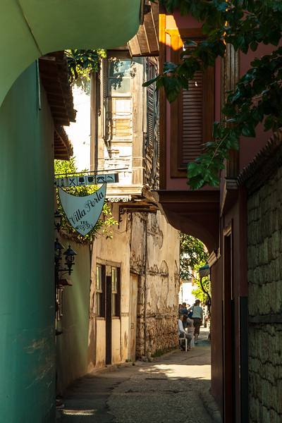 An alley in the old city of Antalia