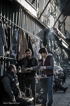 Tee delivery in the streets of Istanbul