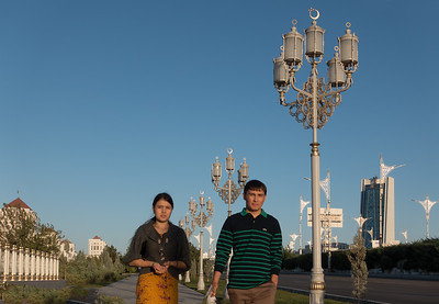 Ashgabat:  rare sighting of pedestrians