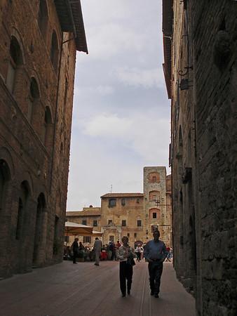 Sept. 25: San Gimignamo, Monteriggione and Siena