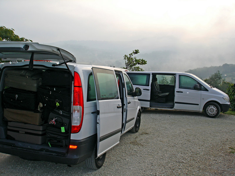 A misty morning at the villa and the vans are packed to the roof - lots of shopping done!
