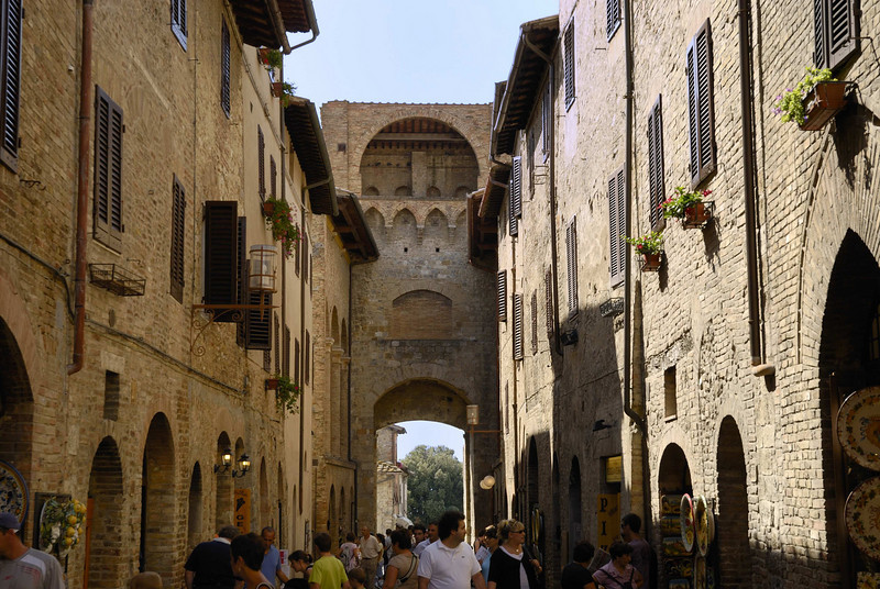The fortified entrance to the village of San Gimignano,  dating from the 11th century.