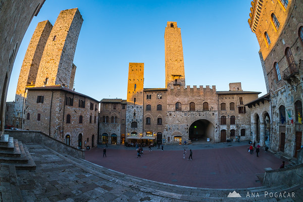 Streets and squares of San Gimignano