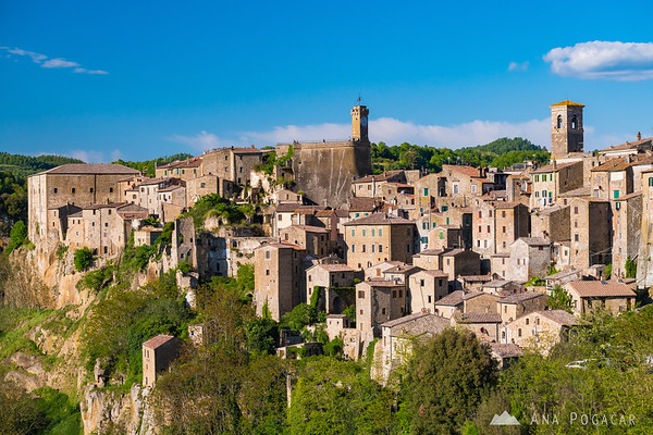 Sorano on a sunny spring afternoon
