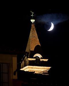 Moon over Firenze
