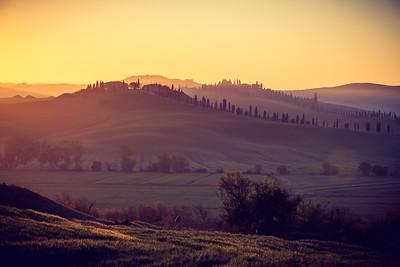 Tuscan curves near Siena