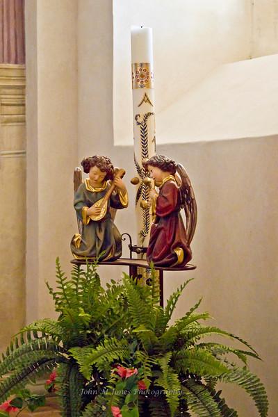 Figurines in Pieve di San Leonlina, a small Romanesque church near Panzano, Tuscany, Italy