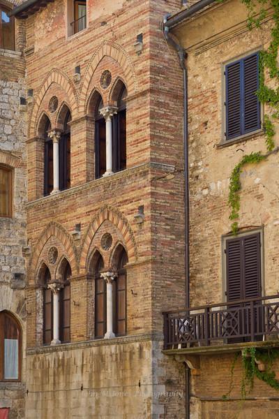 Double arched windows, San Gimignano, Tuscany, Italy