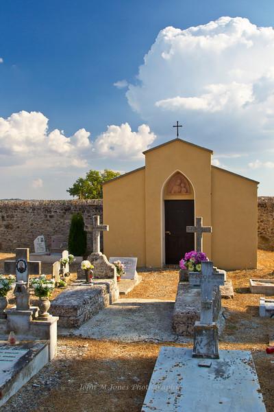 Small chapel in old graveyard, Chianti region of Tuscany, Italy