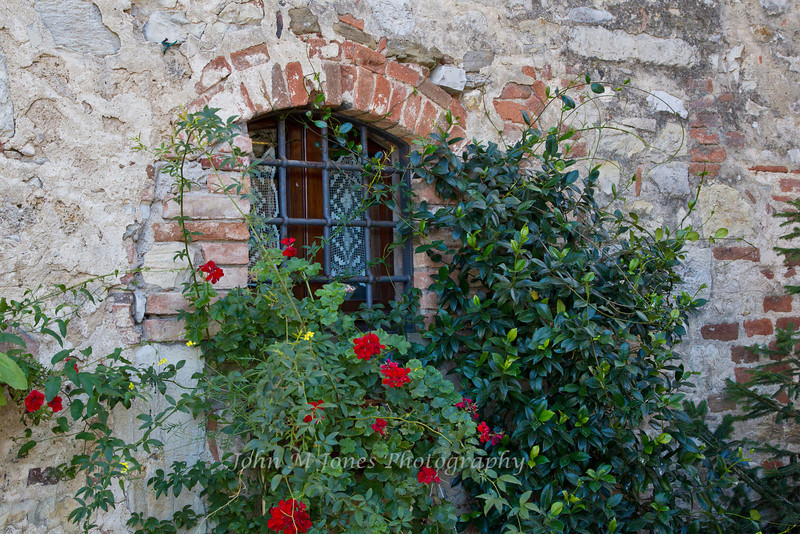 Window in Vertine, Chianti region of Tuscany, Italy