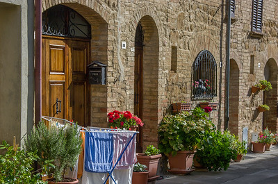 Typical courtyard in Pienza