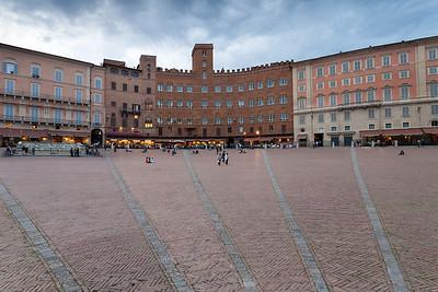 Famous Piazza Il Campo