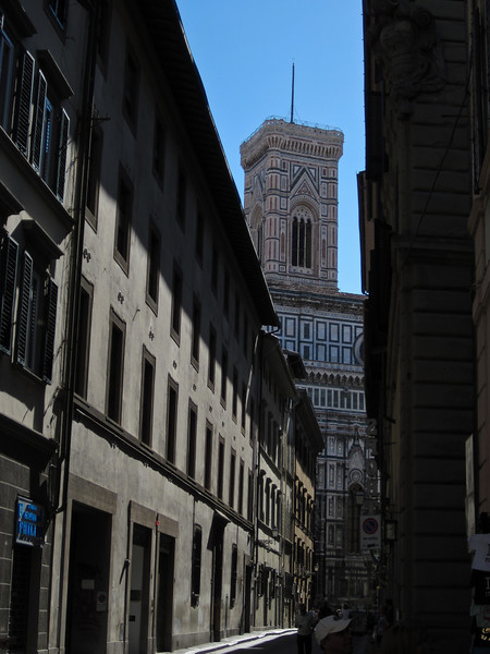 We explored the nearby area and were immediately captivated by the narrow streets and landmarks, like the Campanile of the Cathedral of Santa Maria del Fiore, better known as the Duomo.