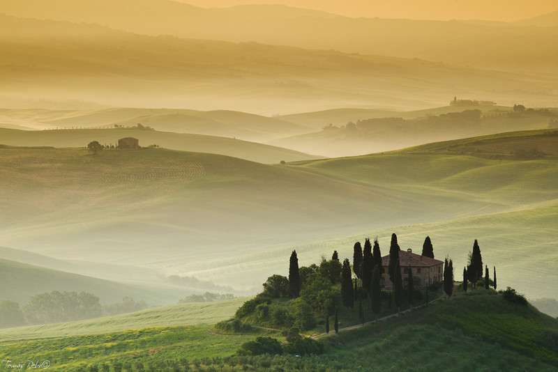 Early morning, San Quirico d´Orcia, Tuscany, Italy