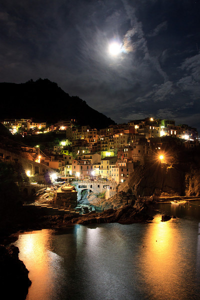 After a quick stop in Montorosso for lunch, we headed back to Manarola, took a nap, had dinner and then watched the moonrise over the village. Another magical day!