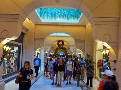 Atlantis Hotel and The Lost  Chambers Aquarium