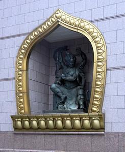 Chung Tai Chan Monastery sculpture.