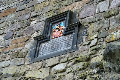 A plaque honoring Sir William Kirkcaldy