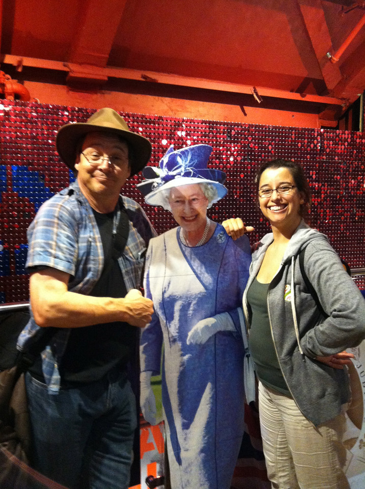 28 June 2012: We went to a tourist shop and there was the Queen! Well, sort of.