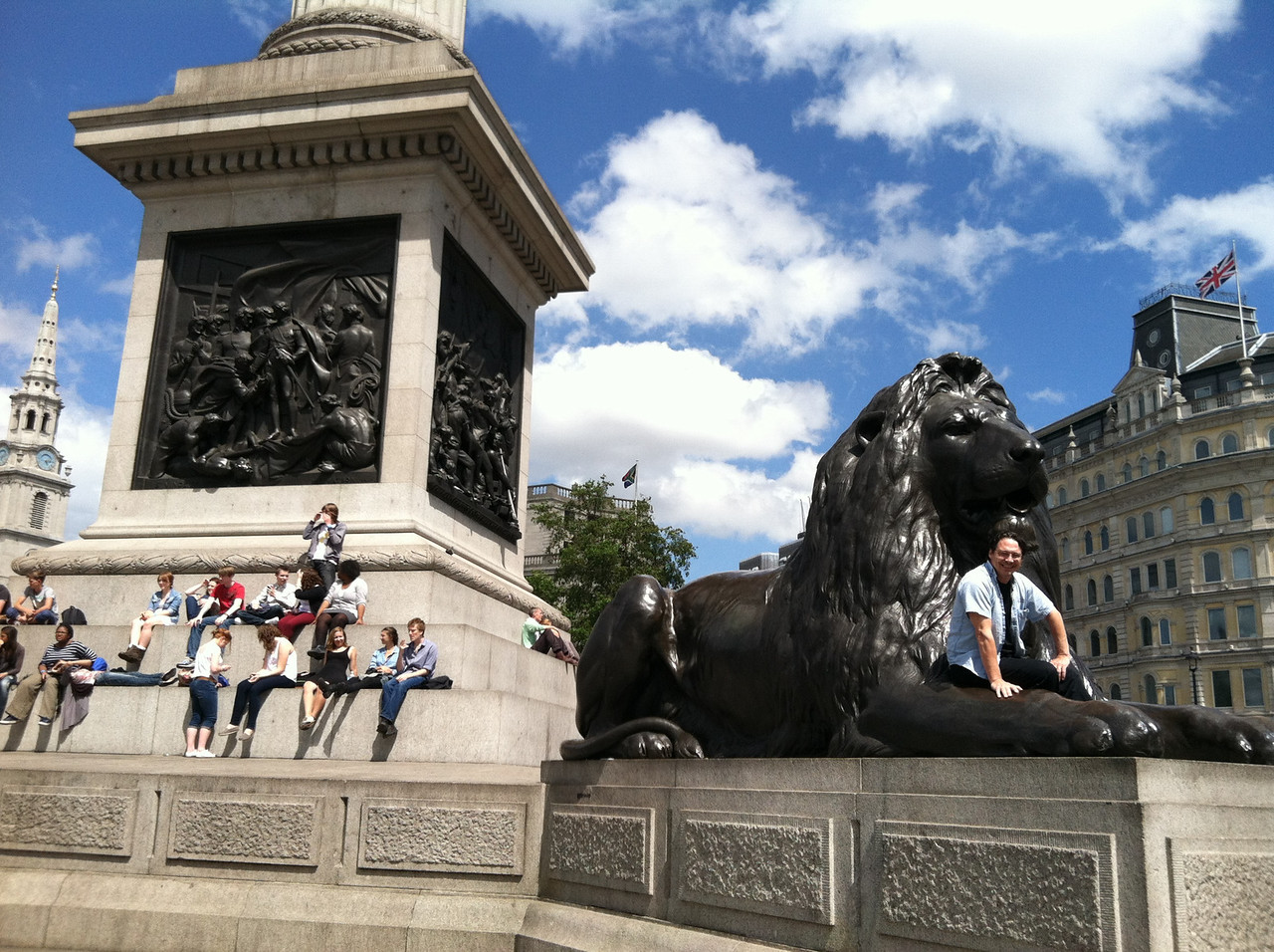 29 June 2012: Such a blue sky, so many people to watch, such a big lion to climb.