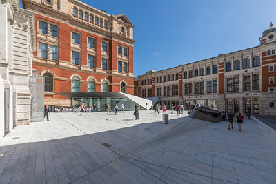 V&A new entrance courtyard with porcelain tiles