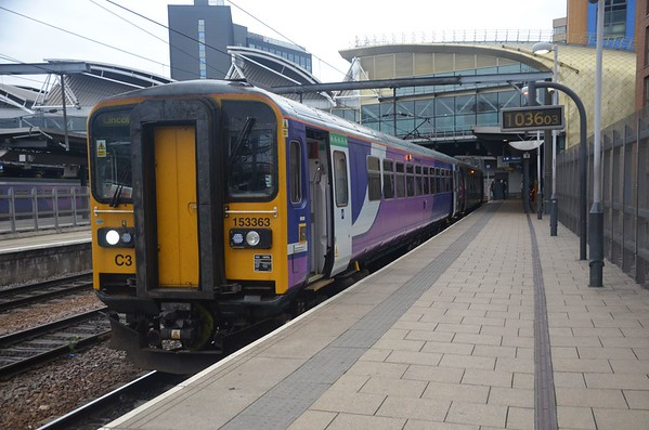 153363 + 153373 stand at Leeds, 1038 Leeds / Lincoln Central. Thurs 04.10.18
