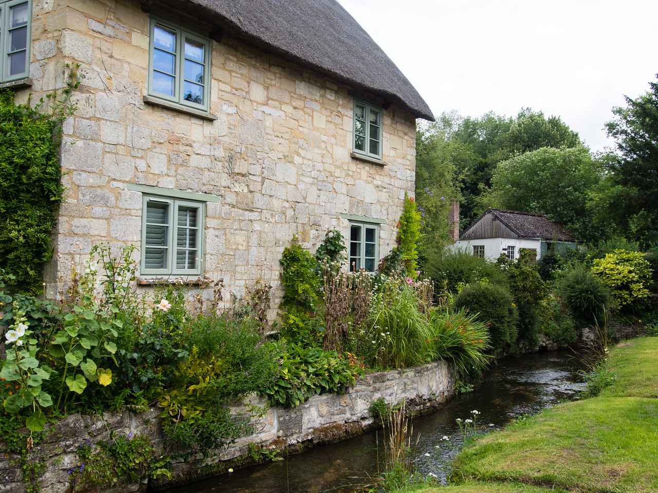 Pretty Cottage and Stream