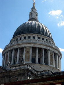 St Paul's dome from ground level