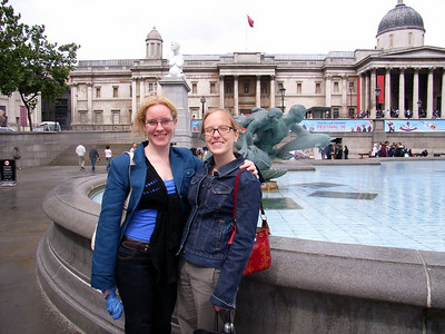 Carly and Steph in Trafalgar square