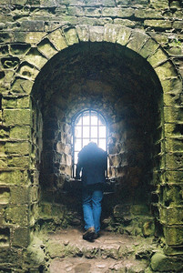 Matt at Peveril castle