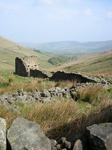 Dry stone ruin near Jacobs Ladder on the walk back to edale