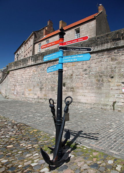 Finger post and Anchor (berwick)