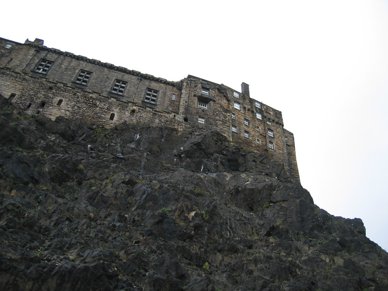 Sept. 28/07 - Edinburgh Castle as seen from the street below