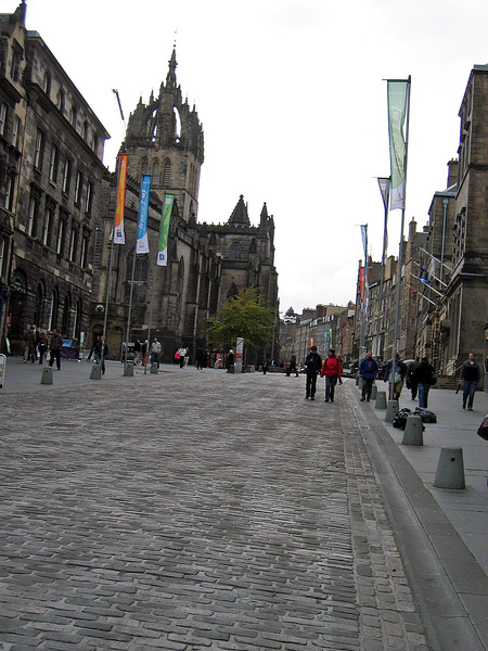 Sept. 27/07 - St. Giles' Cathedral (left) on The Royal Mile, Edinburgh