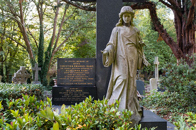 Highgate Cemetery - East