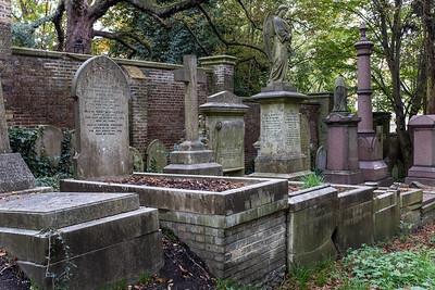 Highgate Cemetery - West