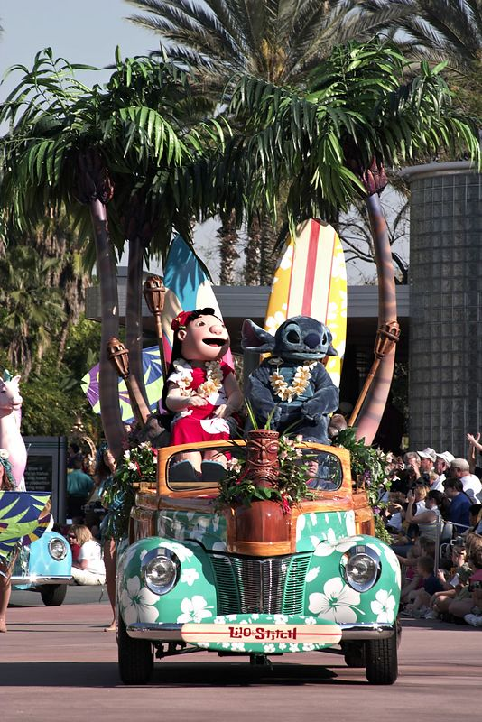 Stars and Motorcars Parade - Lilo and Stitch