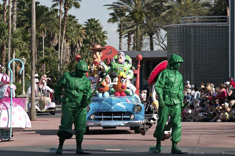 Stars and Motorcars Parade