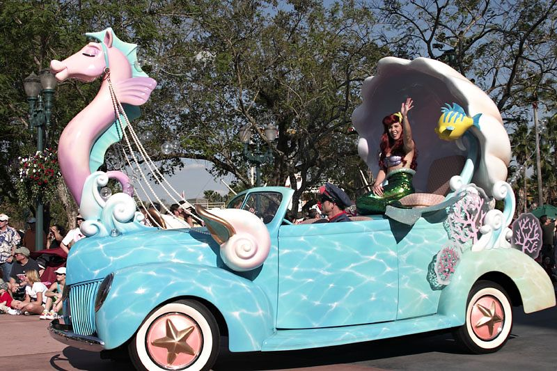 Stars and Motorcars Parade - Ariel