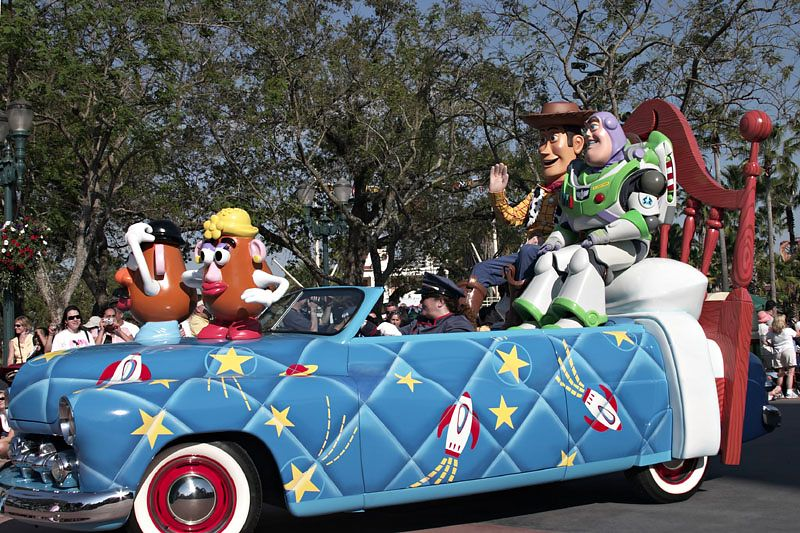 Stars and Motorcars Parade - Buzz Lightyear and Woody