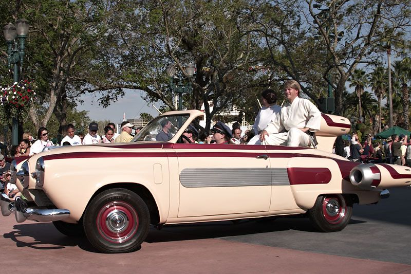 Stars and Motorcars Parade - Star Wars