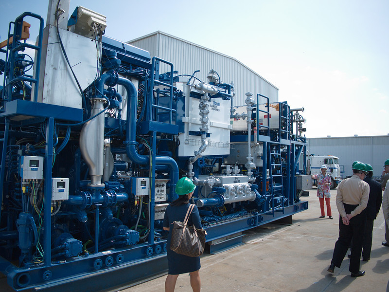 Cement pump for on-grid, offshore oil