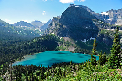 The turquoise water of Lake Grinnell, stunning.