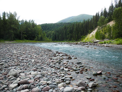 Lots of gravel areas in the middle fork of the Flathead.