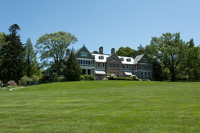 View from beach on Narragansett Bay over the Great Lawn to the mansion.